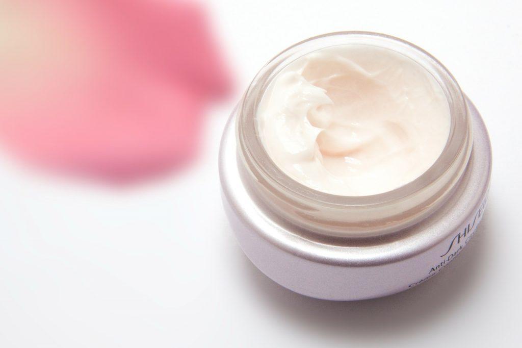Kosmetyki ujędrniające - jak działają?