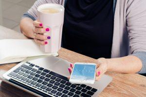 Opieka informatyczna – czy warto korzystać z takiej usługi?